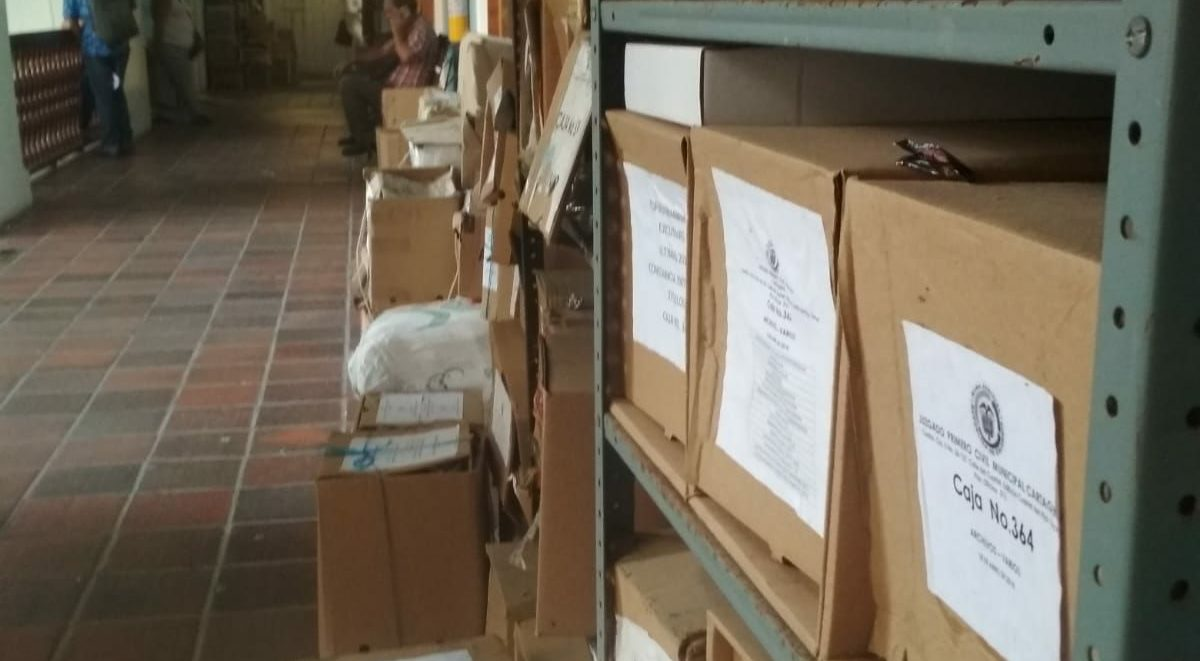 Confidential court cases in Cartagena are stacked in the courthouse's corridors - open to the general public.